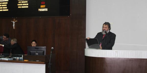 Abílio Machado agradece a homenagem