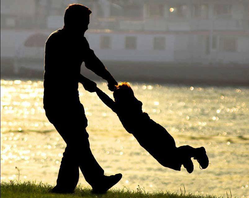 pai-e-mãe-juntos-com-os-filhos2