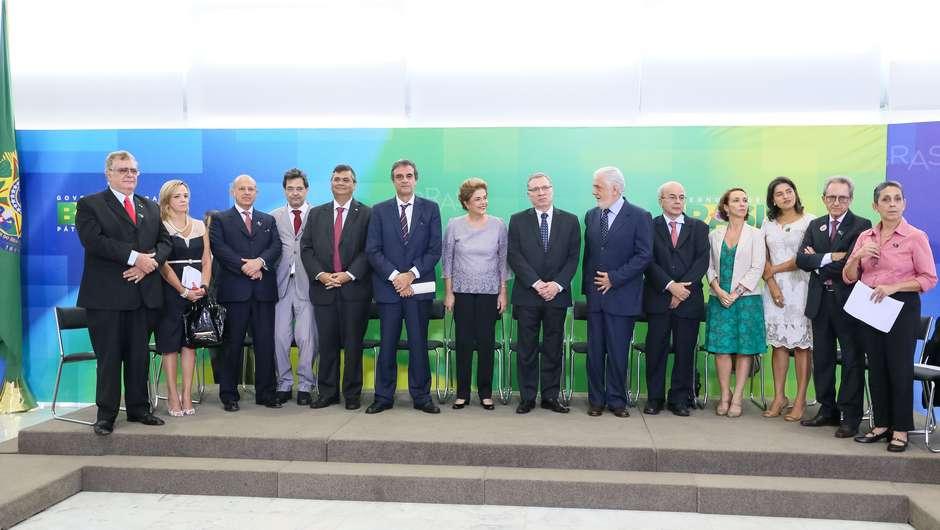 Brasília - DF, 22/03/2016. Presidenta Dilma Rousseff durante encontro com Juristas pela Legalidade e em Defesa da Democracia. Foto: Roberto Stuckert Filho/PR
